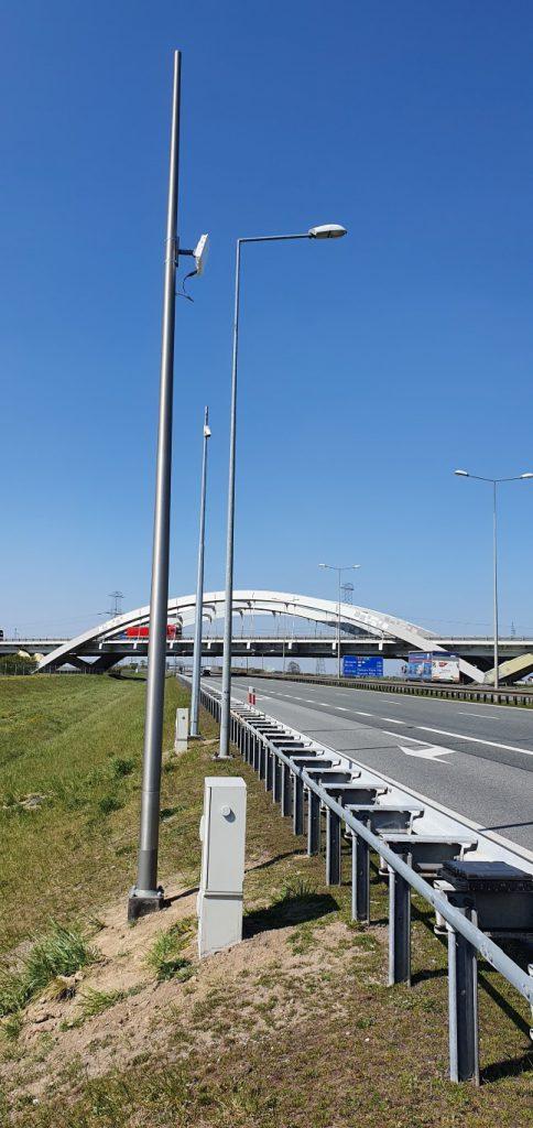 Bramownice dwupoziomowe i stacje pomiaru ruchu na Autostradowej Obwodnicy Poznania